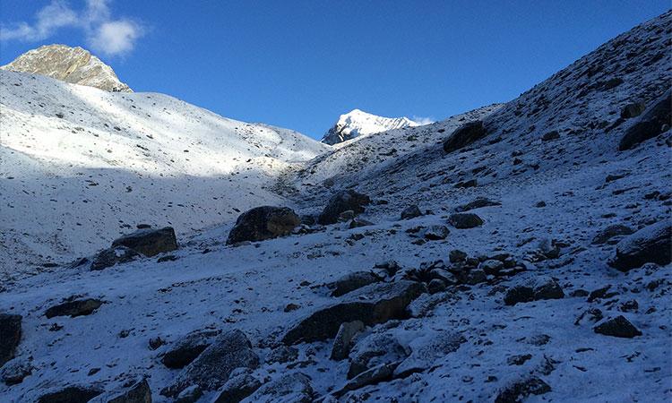 Up to the Cho La Pass