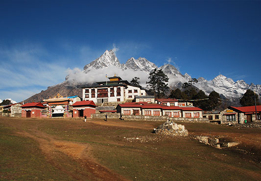 https://www.holidaynepaltrek.com/package/instant-everest-lodge-trek/
