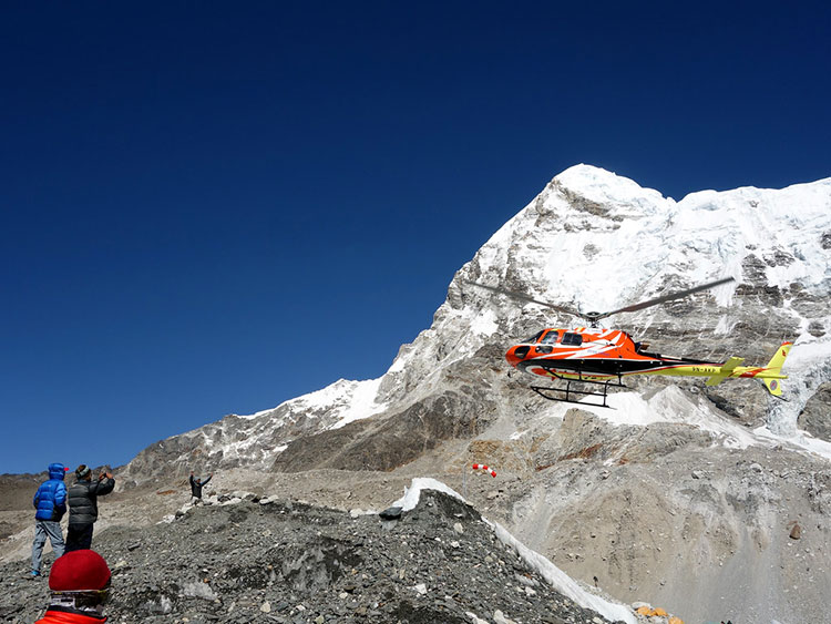 Everest-Base-Camp-Helicopter-Tour